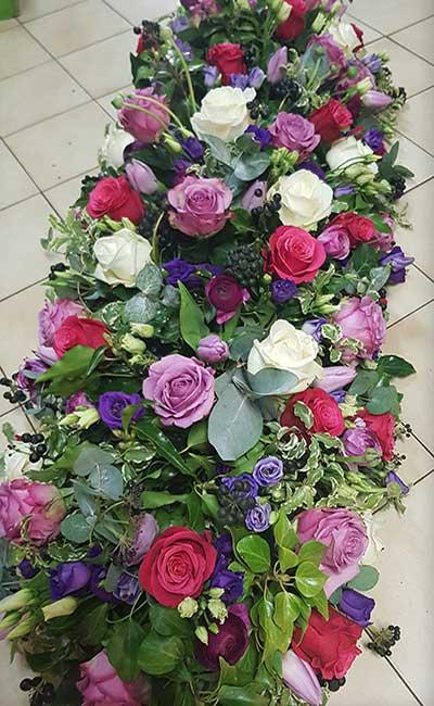 Bar à fleurs Montalieu - gerbe deuil fleurs roses et violettes