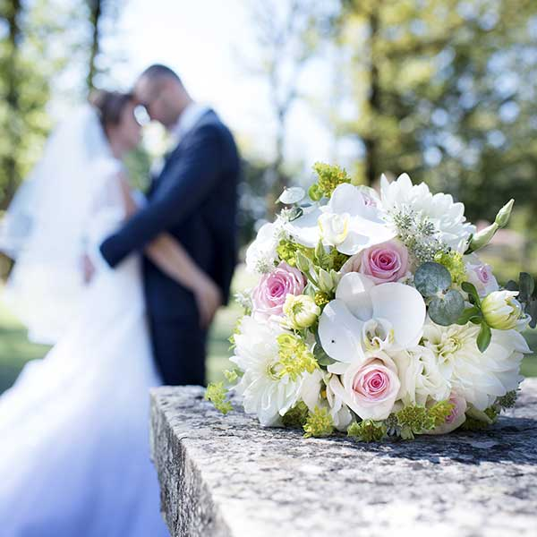 Bar à fleurs Montalieu - Bouquet de mariée blanc
