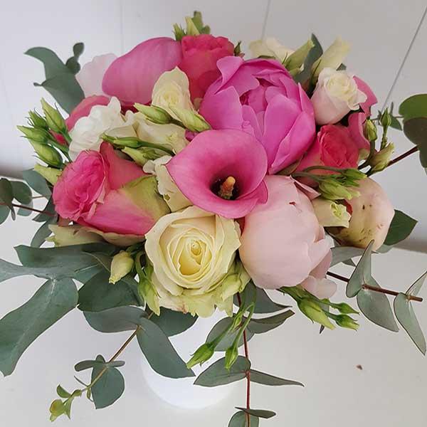 Bar à fleurs Montalieu - Bouquet de mariage roses et pivoines