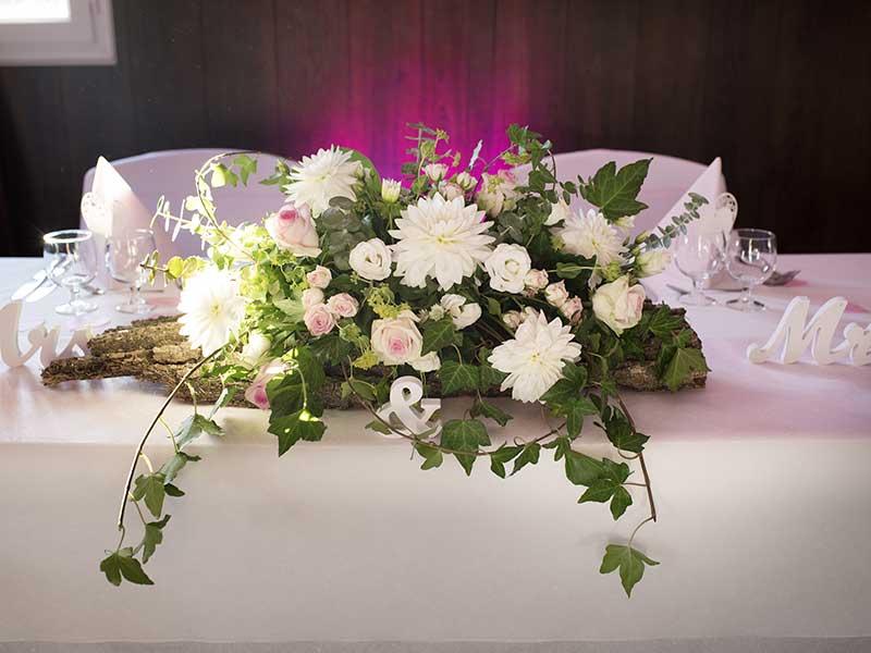 Bar à fleurs Montalieu - composition mariage romantique
